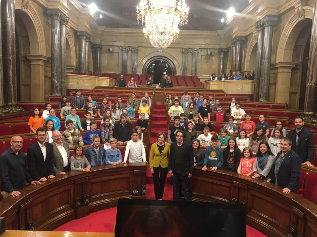 Infants del Bages expliquen al Parlament l'escola que volen per al seu futur