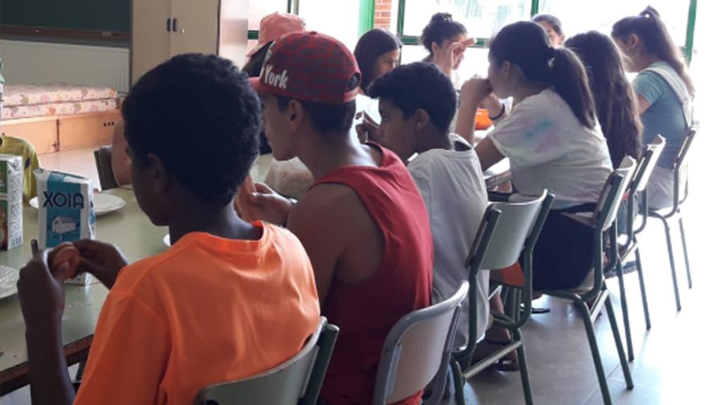 El Consell Comarcal garanteix dos àpats al dia a més de 80 infants i joves de la comarca durant l'estiu