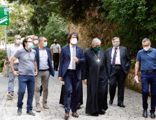 Una visita d'autoritats inaugura el nou centre d'interpretació del Geoparc a Montserrat